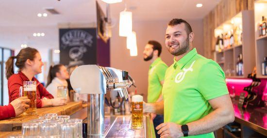Die Explorer Buddies bedienen Dich gerne an der Bar