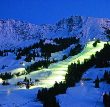 Nachtskilauf im Skigebiet Oberjoch