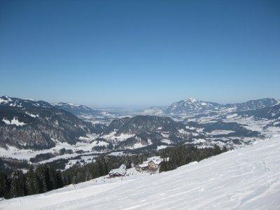Weiter Blick vom Söllereck ins Illertal