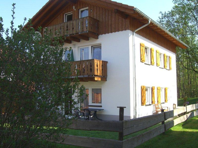 Haus vom Garten aus betrachtet