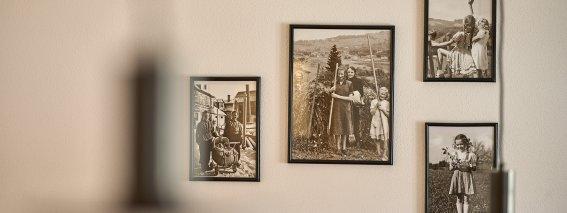 Alte Familienbilder in schwarz-weiß