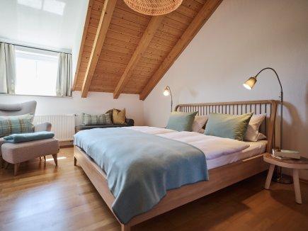 Schlafzimmer in der Ferienwohnung WiesenBlick