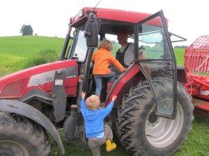 Kinder-Traktorfahrt