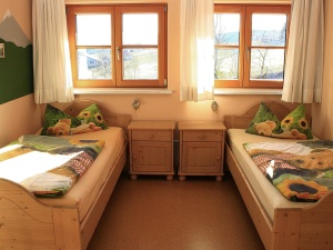 Schlafzimmer (zwei) Ferienhaus Hennastall