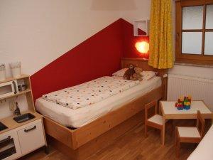 Kinderbett-viehweid-rot