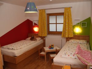 Kinderzimmer-zwei-betten-viehweid