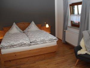 Schlafzimmer-zwei-viehweid