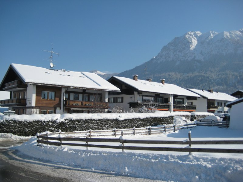 Haus Toni und Alpenblümle