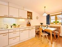 Whg 3 Küche mit Essecke