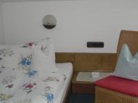 Schlafraum Wohnung 3 mit getrennten Betten