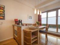 gemütliche, helle Wohnküche
