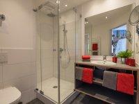 modernes Badezimmer (EG)
