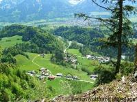 Vom Berg: Blick auf das Haus mit Oberstdorf-Panorama