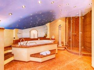 Badezimmer 1 mit Whirlpool