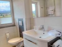 Neu renoviertes Badezimmer