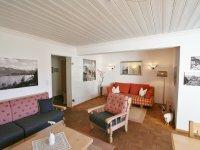 Wohnzimmer mit 2. Couchecke