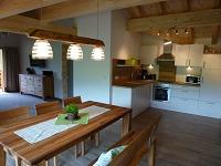 Großer Essbereich,komplett eingerichtete Küche