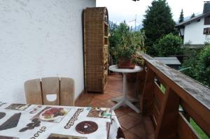 Balkon mit Essplatz Apartment