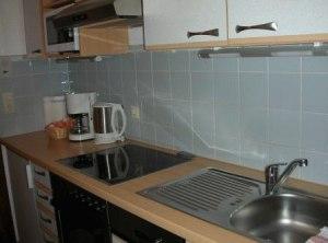 Moderne gut ausgestattete Küchen