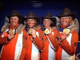 Salt Lake City 2002 - Damengoldstaffel Siegerehrung (c) sampics