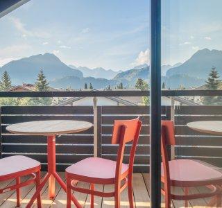 Südbalkon mit Blick in die Oberstdorfer Berge