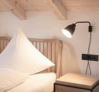 Schlafzimmer mit schöner Bettwäsche