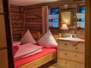 Schlafzimmer Almrausch
