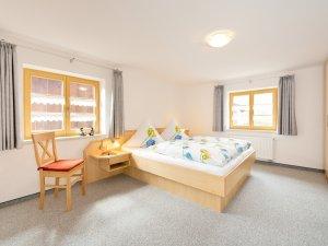 Schlafzimmer - FeWo Enzian