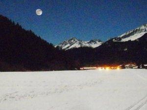 2013-12-16 Nachtwandern auf dem Schnee macht beim Vollmond auch ohne Fackeln Spaß