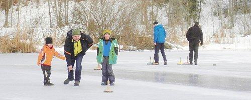 2015.01.06 Eisstockschiessen am Moorweihr