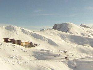 der Panoramaweg im Nebelhorngebiet im Hintergrund rechts der Winterwanderweg zum Zeigersattel