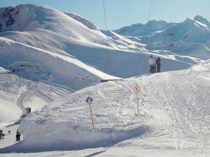 Winterwanderwege getrennt von der Piste SDC13575