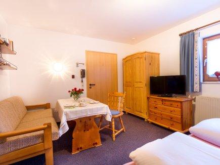 Enzianwurzel Wohn- Schlafzimmer