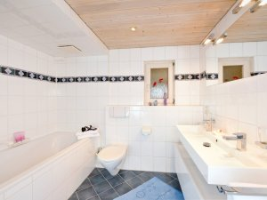 Badezimmer der Ferienwohnung Schattenberg