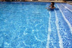 gemütliche Treppenanlage im Pool