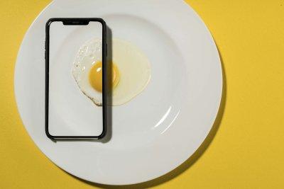 CEWE Photo Award Category winner Egg Phone David Weimann Cooking Food