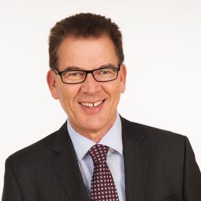 Bundesminister für wirtschaftliche Zusammenarbeit und Entwicklung. Dr. Gerd Müller