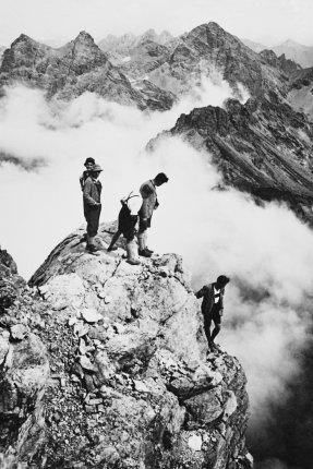 Auf dem Gipfel der Trettach 1920