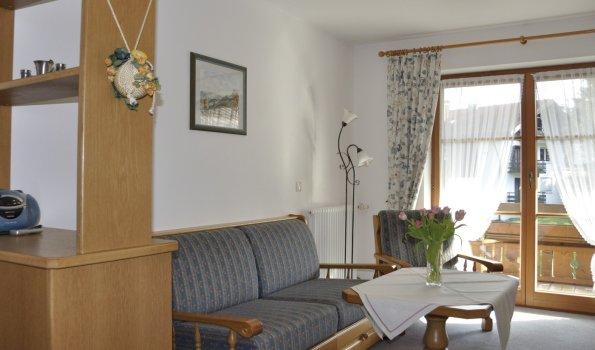 Ferienwohnung 2 Wohnzimmer 003