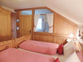 Bauernschlafzimmer Ferienwohnung Rottachberg 2