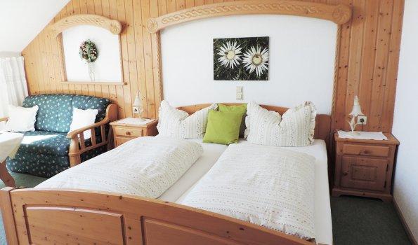 Schlafzimmer Ferienwohnung Burgwohnung
