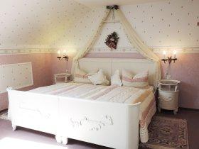 Stilschlafzimmer Ferienwohnung Rottachberg