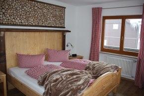 Zimmer 2 mit Südbalkon