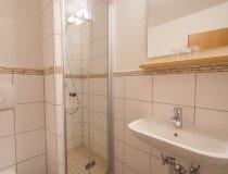 Zimmer 2, 3, 9, 10 - Badezimmer