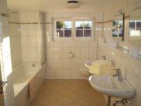 Badezimmer - Wohnung 2