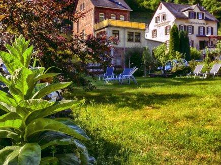 Garten mit Haus