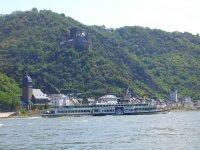 Der Rhein und die Burg Katz