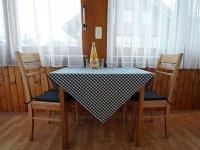 gaestehaus math, oberstdorf, ferienwohnung vreni, esstisch