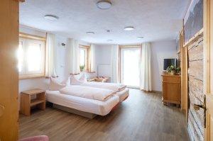 Ferienwohnung Mittag Wohn- Schlafzimmer für 4 Pers.