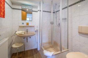 Familienzimmer Schlüsselblume Badezimmer